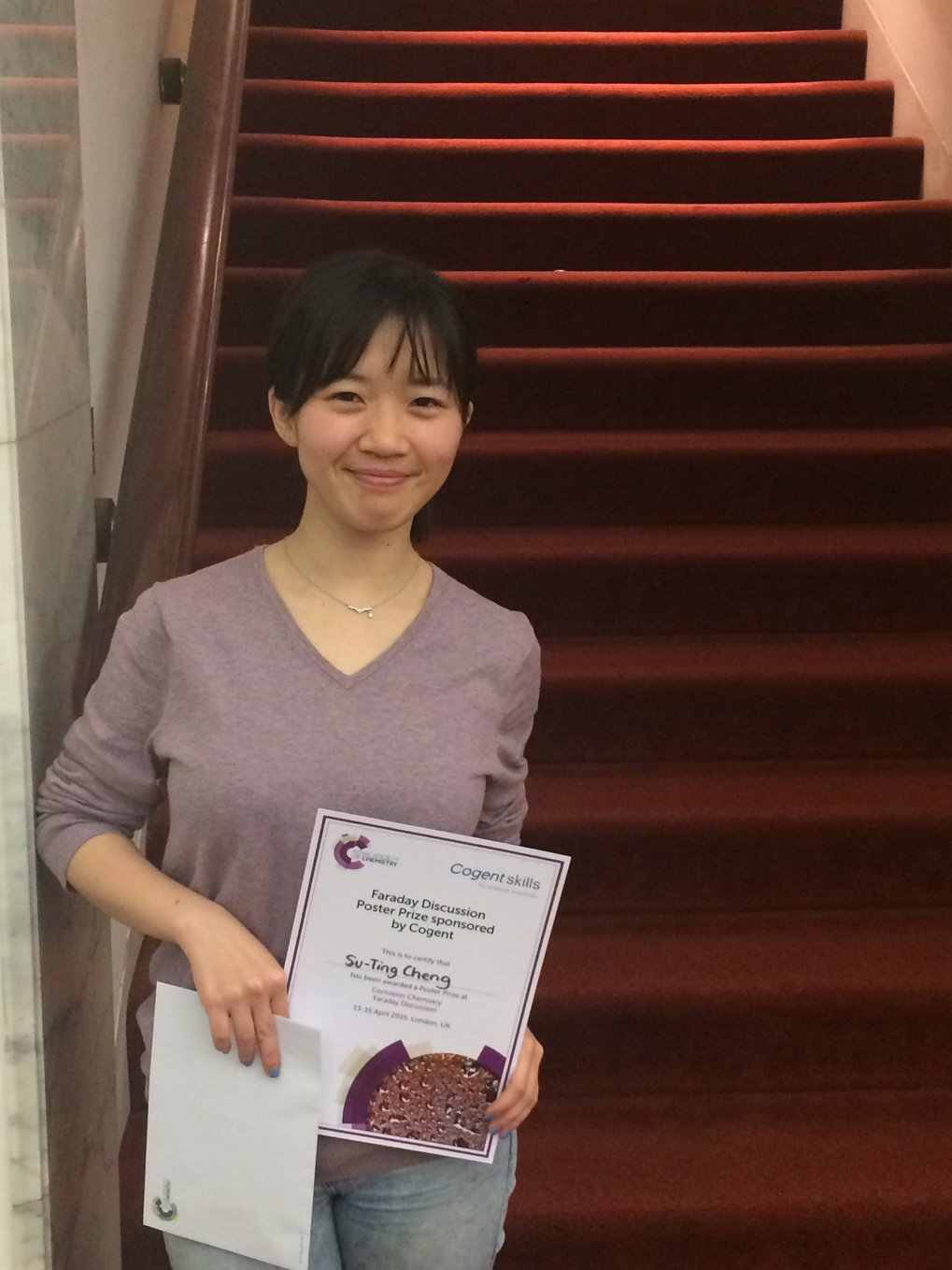 "Su-Ting Cheng won one of two poster prizes at the ""Faraday Discussion: Corrosion Chemistry"" Conference."