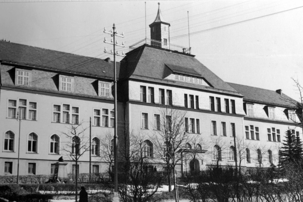 The mining academy at Clausthal, under whose roof the KWIE found temporary accommodation.