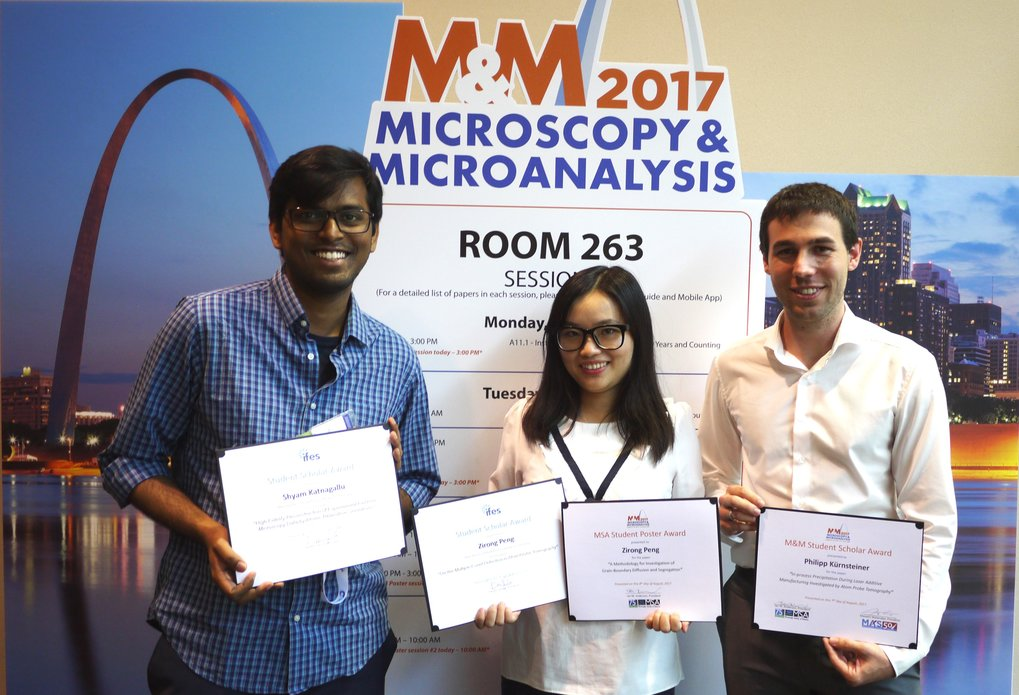 "Shyam Katnagallu, Zirong Peng and Philipp Kürnsteiner (from the left), doctoral students at the MPIE, won various awards at the ""Microscopy and Microanalysis 2017 Meeting"" (M&M), which took place from the 6<sup>th</sup> to the 9<sup>th</sup> of August in St. Louis, USA."