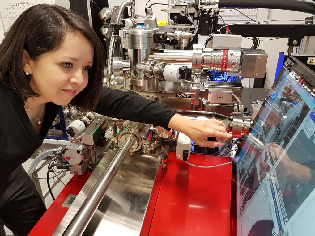 Dr. Jazmin Duarte did atom probe tomography measurements to characterize the sample and see the oxide distribution.