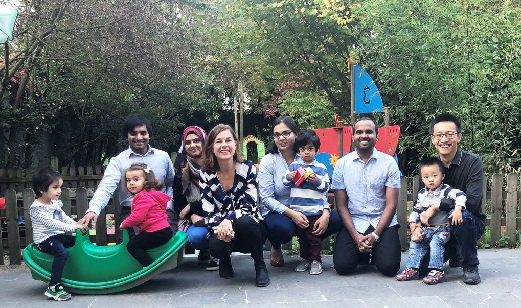 MPIE employees and their children together with Simone Degner (3rd from left), the equal opportunities officer, at the children's daycare.